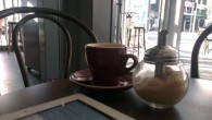 Brisbane like most cities has a lot of cafes in the CBD. Most of them are also pretty boring. And what is even stranger, not all of them are open early. Fortunately for those who sometimes end up heading to work far too early in the morning, the Cremosa Espresso bars are.