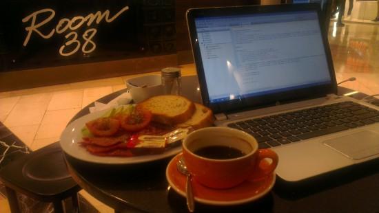 Room 38/Cafe De Lucca